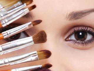 Μακιγιάζ: Ομορφότερη σε 10 απλές κινήσεις