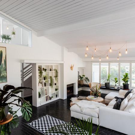 Bakoven living room