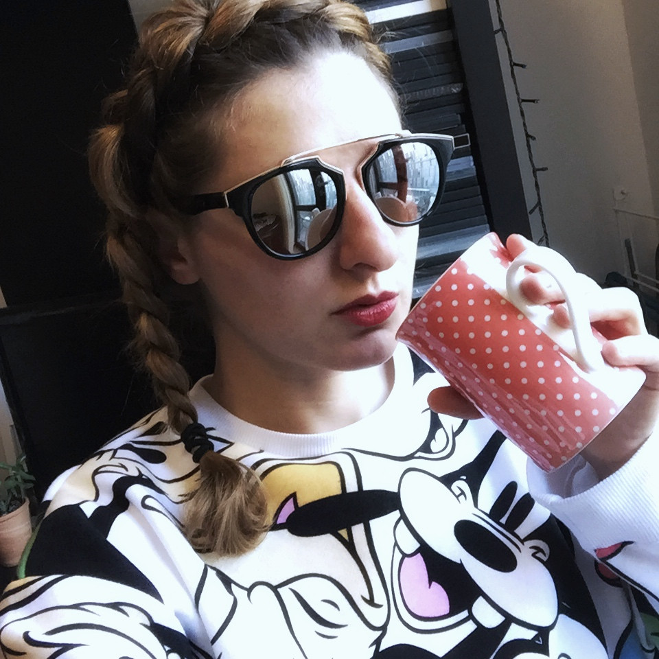 Primark Disney sweatshirt & sunglasses