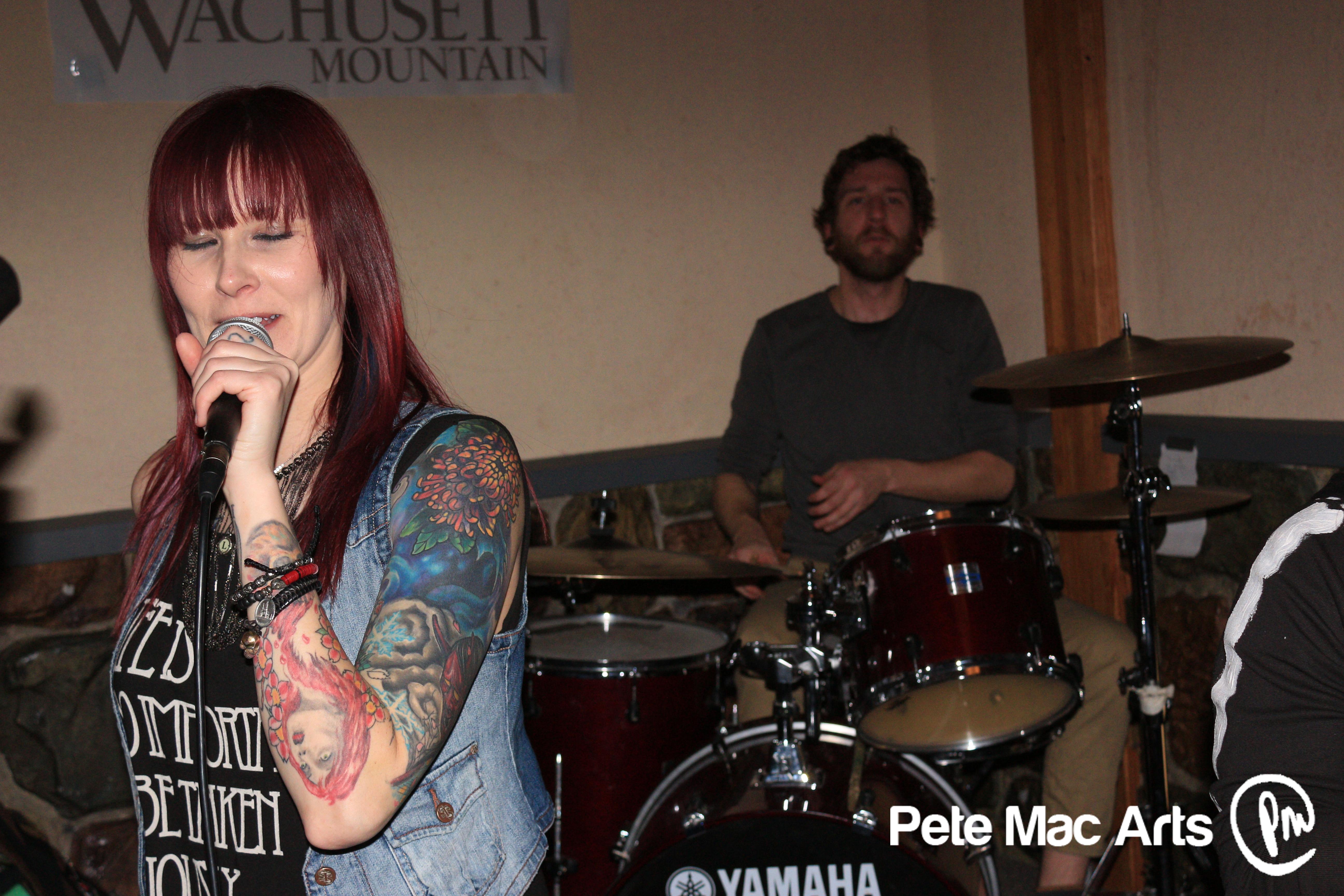 singer.drummer