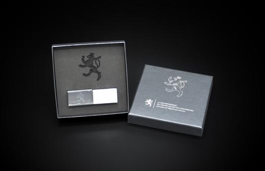 Ministère de l'égalité des chances   Box interior design Foam laser cutting and engraving with the Luxembourg Government emblem Emblem engraved on the box