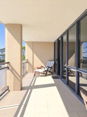 Three Bedroom Ocean Front Balcony