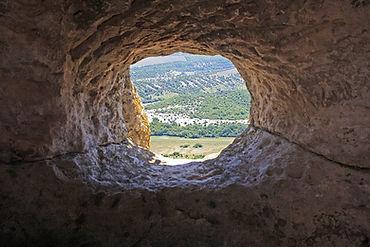 Карстовая пещера.jpg