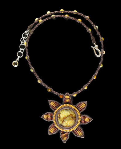 30_floweragate_necklace.jpg