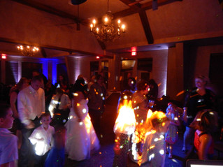 A great article about choosing the right Wedding DJ