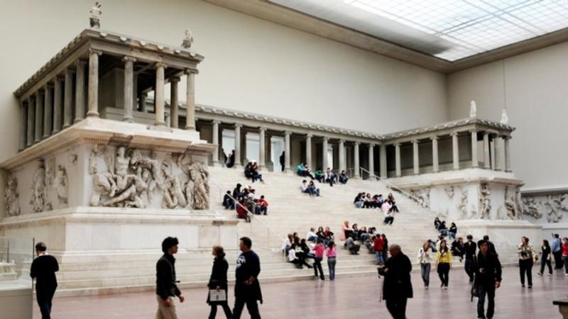 pergamon-altar_40684018
