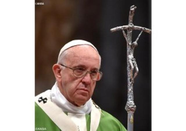 Papst_jesus_gekreuzigt