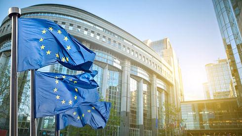 eu-flaggen-vor-parlament-in-bruessel-100_3840x2160.jpg