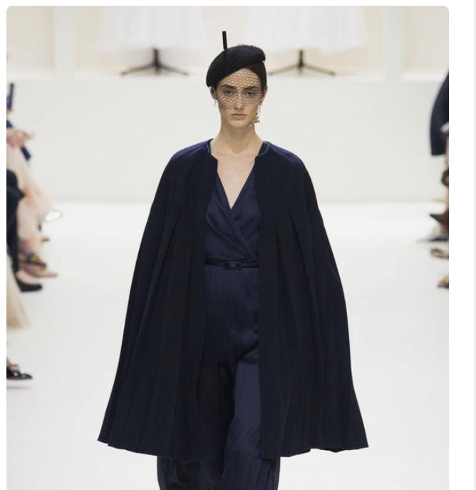 Fall 2018 Christian Dior Cape