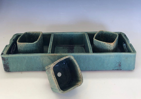 Green 3-in-1 tray with 3 tiny planters