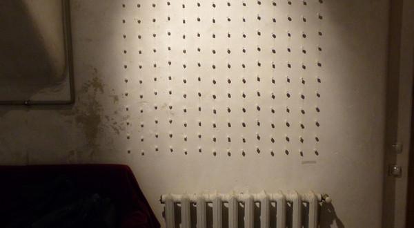 Game 529 (Sugar bones, white thread. 130H x 130W cm).