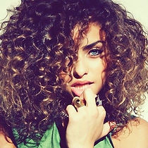 Easy-Tips-for-Styling-A-Curly-Hair.jpg