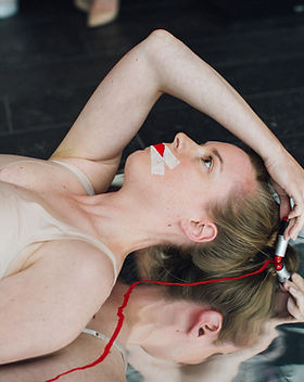 Performance Sois Belle et Tais-Toi in London crédits MTArt Agency.jpeg