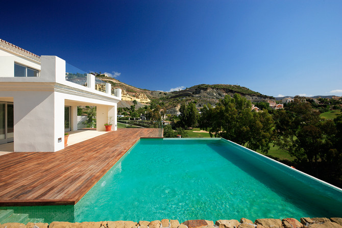 Living life to the full, in Nueva Andalucia, Marbella. The prime residential location in Marbella.