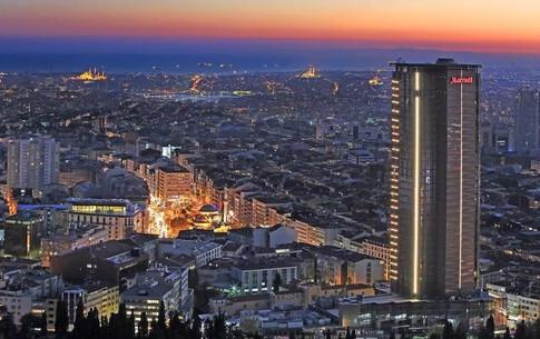 أنطاليا تزاحم إسطنبول في الاستثمار الأجنبي
