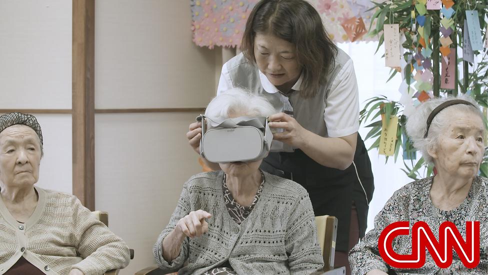 VR Travel elderly.jpg