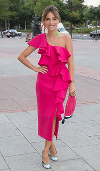 Flora Gonzalez. Revista Lux Moments Magazine