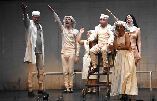 Cascaras Vacias. teatro. Revista lux Moments magazine