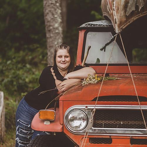 Piper - Chippewa Falls HS Senior Portraits 2021