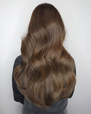 long-wavy-brown-hair-with-volume-500x625
