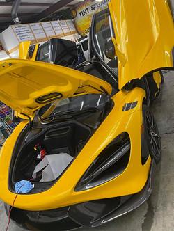 yellow-mclaren-2