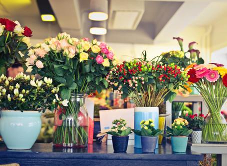 Simple and Pretty Floral Arrangements