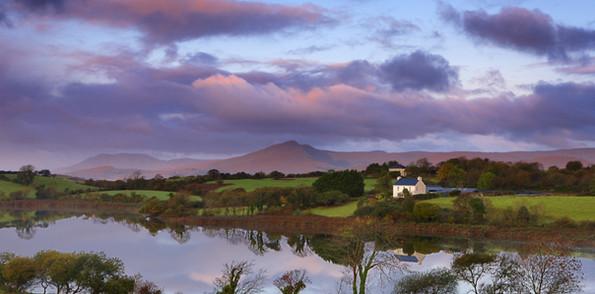 lake-on-a-farm-in-ireland-2400x1350-wall