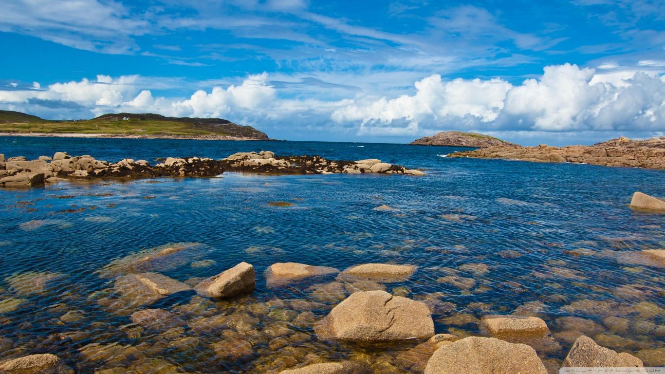 atlantic_coast_cruit_island_donegal_irel