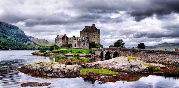 eilean_donan_castle_scotland-2560x1600.j