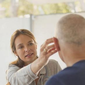 Tratamiento audiológico con audífonos