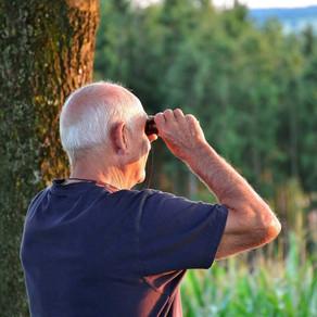 La pérdida de audición y el deterioro cognitivo en personas mayores