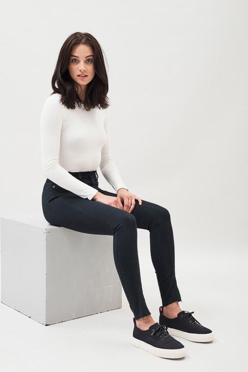 Dr.Denim i samarbete med Louise Linderoth, jeans för sittande position 2018