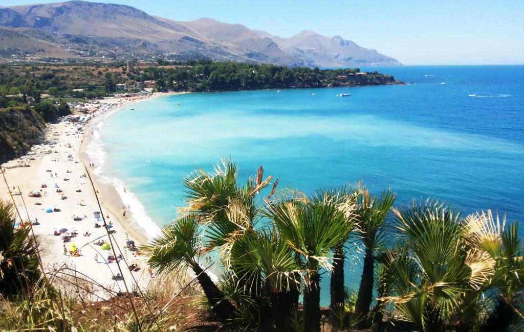 Scorcio_della_spiaggia_di_Guidaloca_Cast