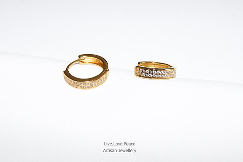 'Cosmopolitan' Gold Hoop Earrings With Diamonds