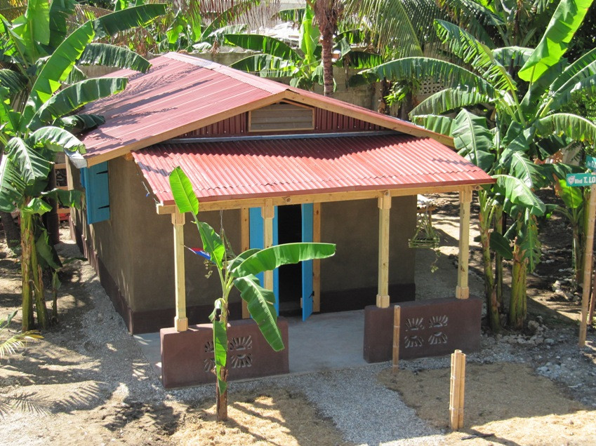 1st Straw bale housing in Haiti