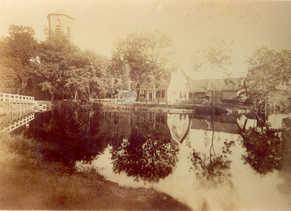 De oudste en enige foto van de Urbanuskerk zonder spits, en dus van voor 1887 !