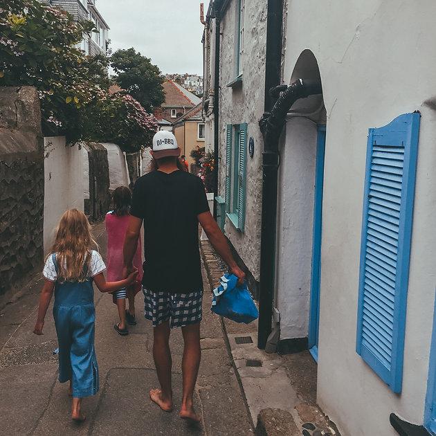 Wild Wandering Tribe | Travel Family | Full Time Travel