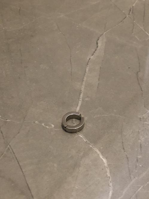 Boucle d'oreilles anneau clip acier argenté