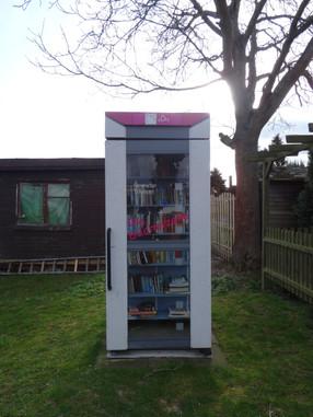 Boeken in een telefooncel