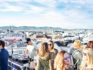 FREILUFT - die Stadtterrasse: Die neue Rooftop Bar in Wien mit der Familie Barbaro