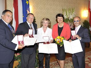 Luigi Barbaro wird ausgezeichnet für seine Verdienste um das Land Wien!