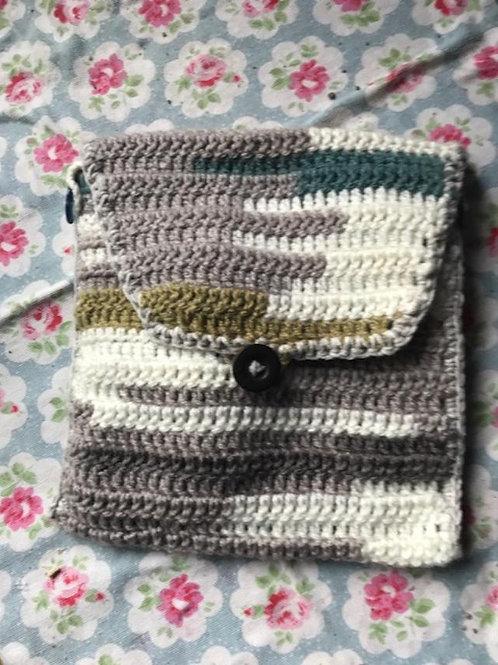 Crocheted Handbag or Organiser with Detachable Strap