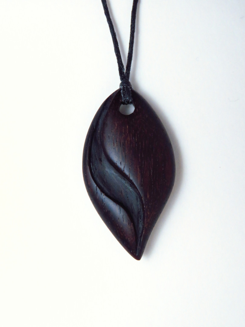 Wooden pendant rosewood necklace