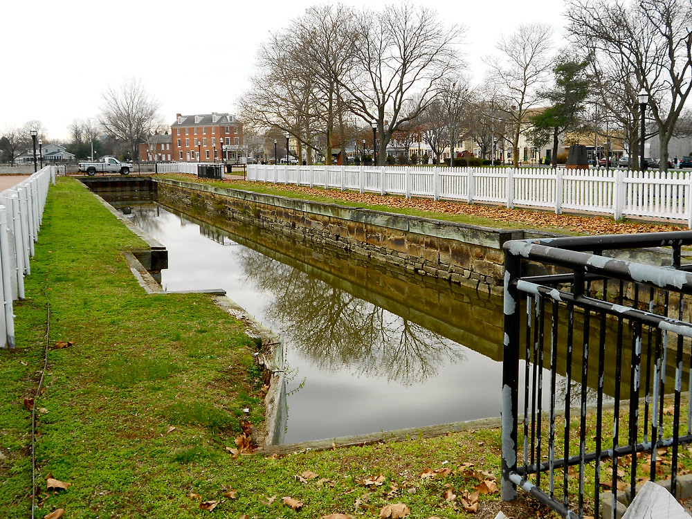 Eastern Lock of the Chesapeake & Delaware Canal, Battery Park, DE