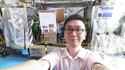 With a mini synchroton accelerator