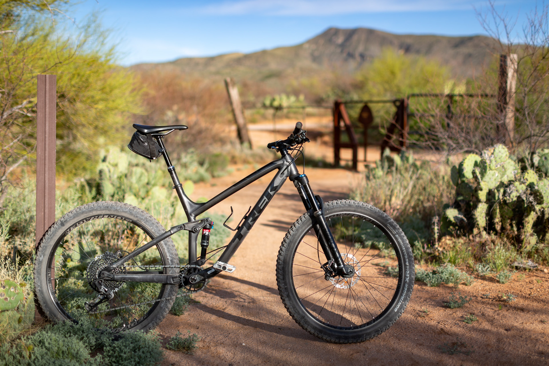 005_042919_ArizonaNemexicoRoadTrip_Carro