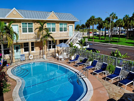 7-Florida Beach Rentals CBS pool courtya