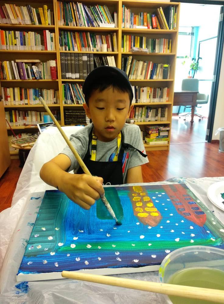 Little artist in the making
