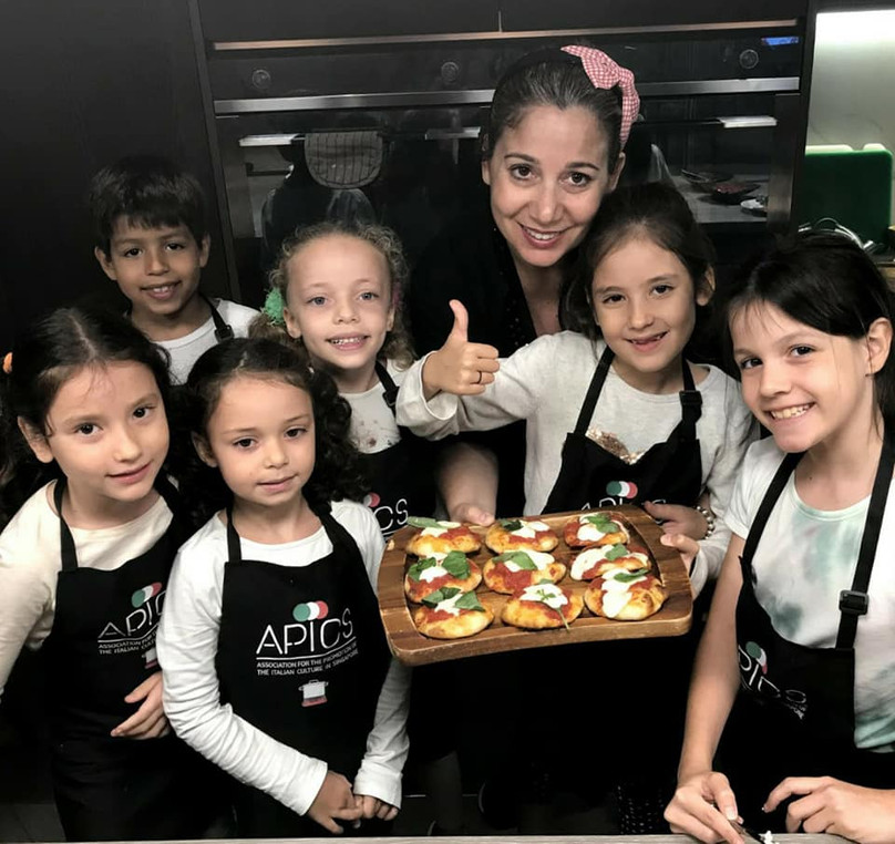 Kids cooking with APICS