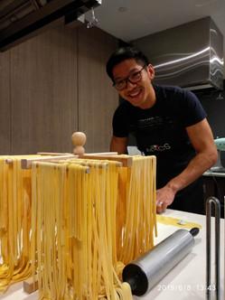 Yummy fresh pasta preparation class